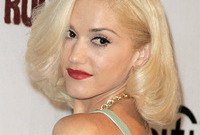 Gwen-stefani-makeup-side